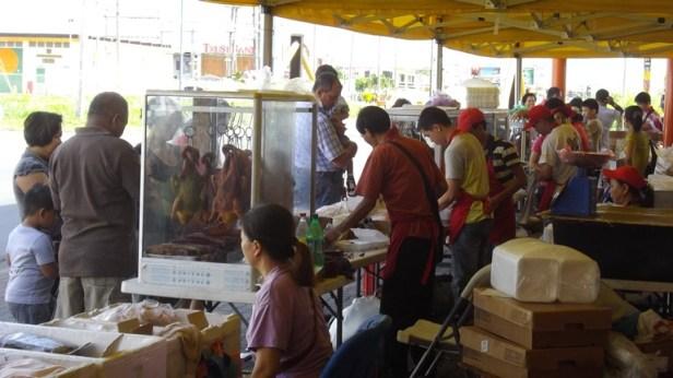 Chinese markt aan de Wilhelminastraat wordt niet alleen door Chinezen bezocht