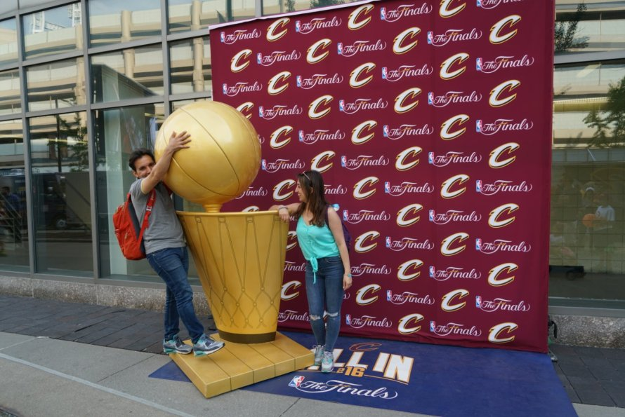 amerika-nbafinals-maconu-heykel-topveben-honeymoon-quickenloansarena-cc