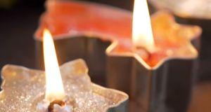 Készíts Te is hangulatos karácsonyi gyertyákat! Videó cikkünkben.