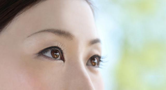目が茶色で色素が薄いと日差しが眩しいのはなぜ?原因と対策