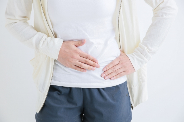 卵巣が腫れて痛みが生じる原因と女性の健康を守る対処法