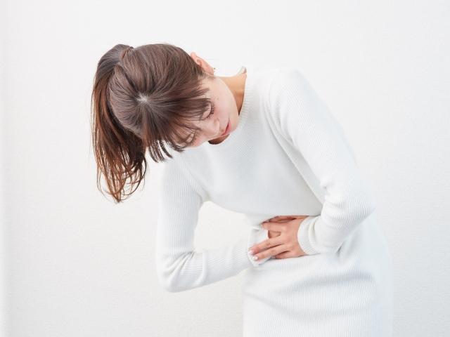 突然の下痢や嘔吐が起きる食中毒〜その原因と予防方法