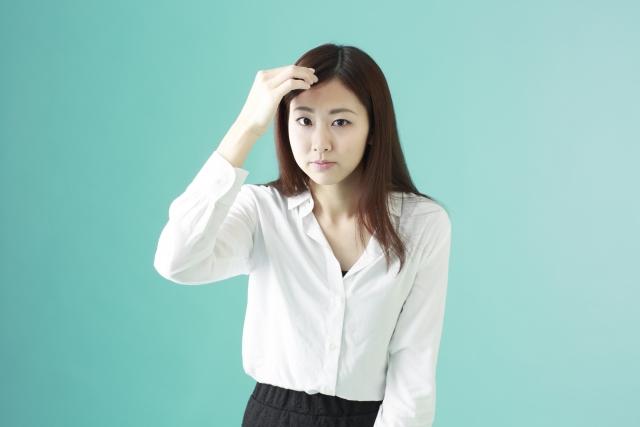 前髪のサイドが薄い女性が急増!原因と対策