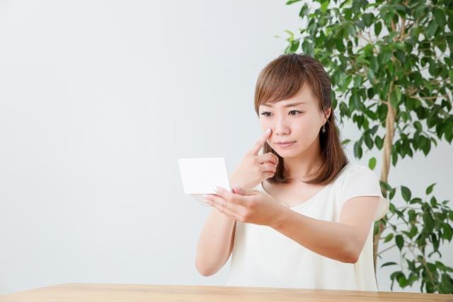 20代でも顔にシミ…なぜできる?予防と対策