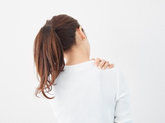 肩こりや頭痛の原因を改善