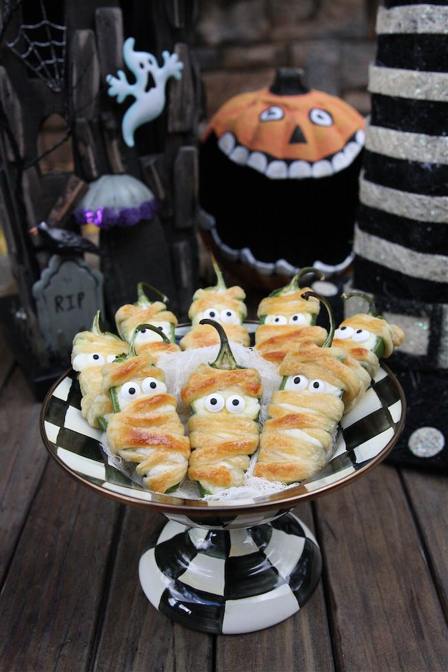 halloween-appetizers-mummy-1536342065