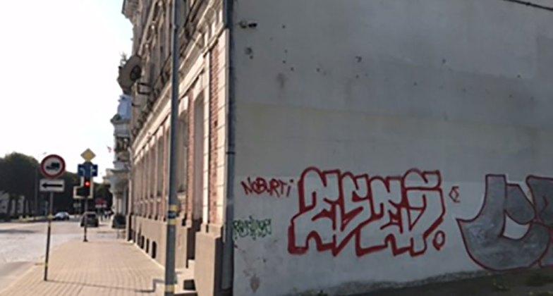 Siena Liepājā ar grafitti