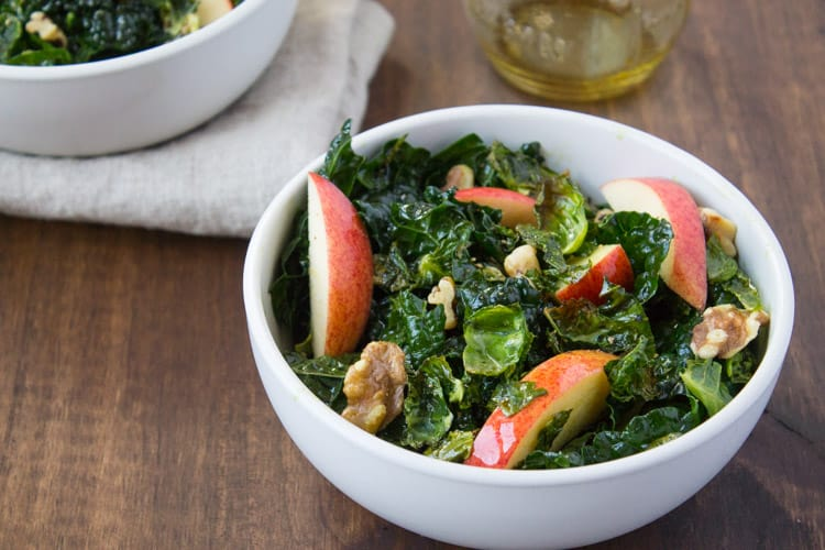 Harvest Kale Salad with Pumpkin Seed Oil Dressing| The Foodie Dietitian @karalydon