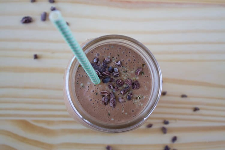 Chocolate Peanut Butter Smoothie with Oatmeal | @TheFoodieDietitian