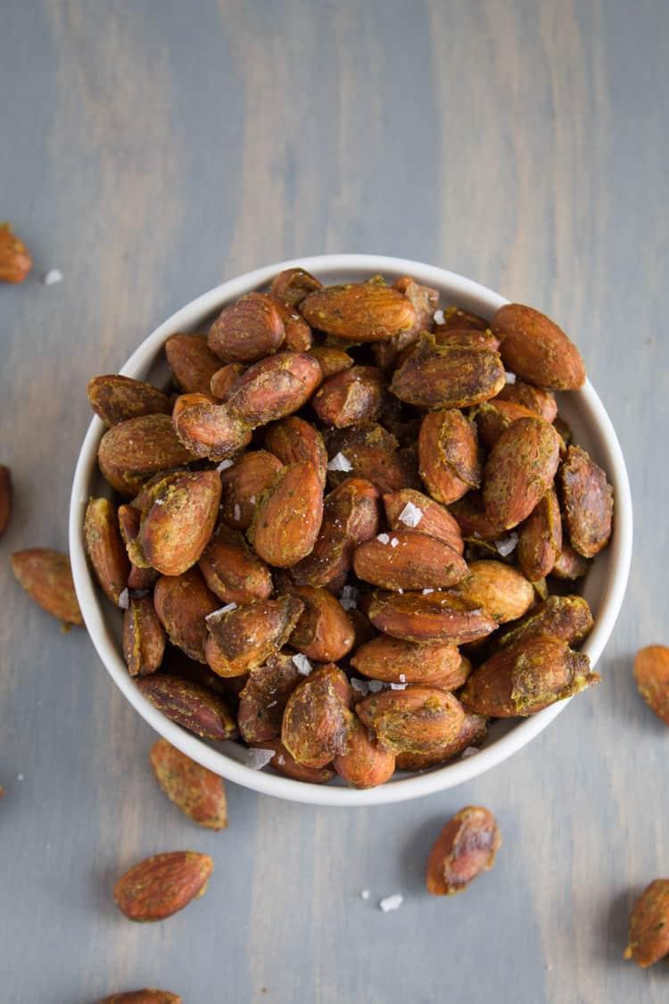 Arugula Pesto Roasted Almonds | @TheFoodieDietitian