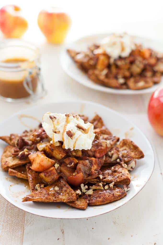 Nachos just reached a new level. These vegan apple pie nachos are a healthier (and tastier!) spin on traditional apple pie. Wow your holiday guests with a fun, innovative dessert.