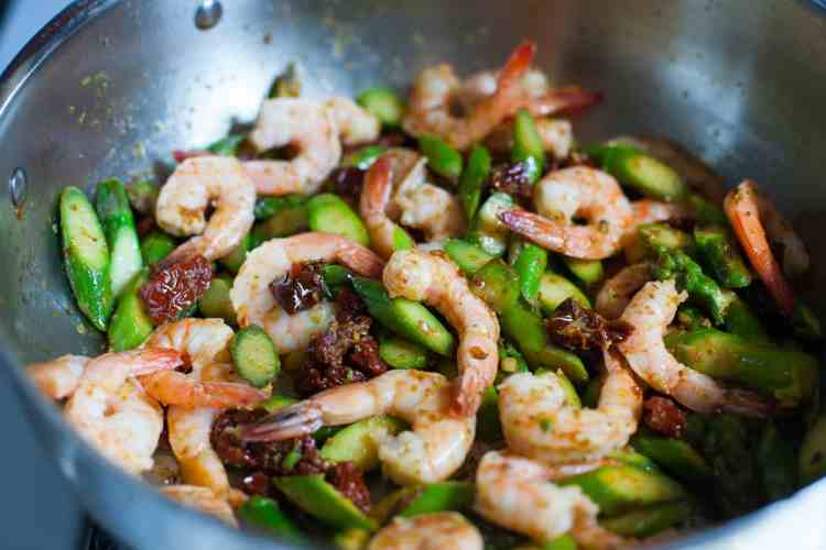 Shrimp Pasta with Asparagus