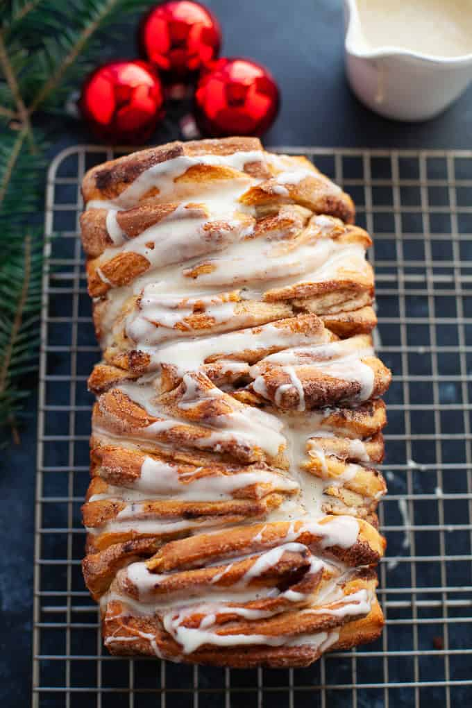 Sweet, festive, and amazingly delicious, this eggnog pull apart bread is perfect for a holiday brunch or cozy Christmas morning. #eggnog #holiday #bread