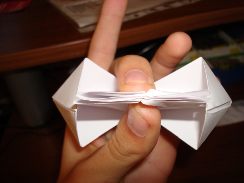 How to make a boat from paper? Instructions for folding paper boat do it yourself Stage 64