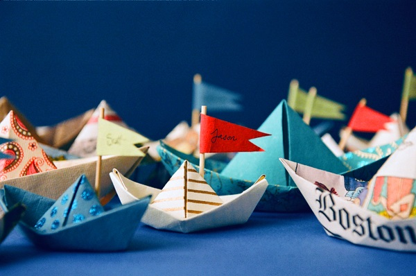 Как сделать кораблик из бумаги? Инструкция складывания бумажного кораблика своими руками этап 1