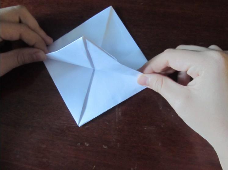 Hoe maak je een boot van papier? Instructie opvouwbare papierboot Doe het zelf fase 19