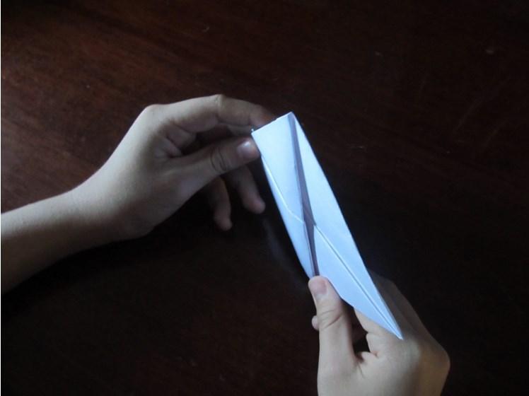 Как сделать кораблик из бумаги? Инструкция складывания бумажного кораблика своими руками этап 21