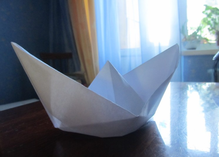 How to make a boat from paper? Instruction folding paper boat do it yourself stage 26