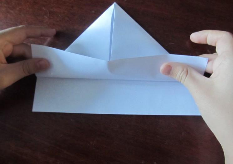 Hoe maak je een boot van papier? Instructies voor opvouwbare papierboot Doe het zelf fase 11
