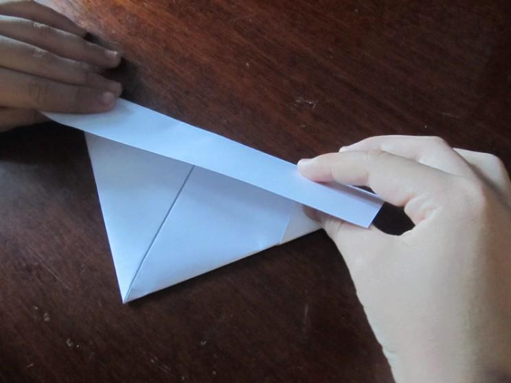 Как сделать кораблик из бумаги? Инструкция складывания бумажного кораблика своими руками этап 14