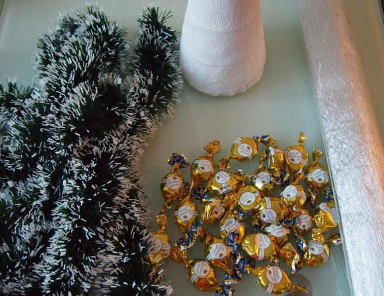Жаңа жылдық шыршасы бар жаңа ағаш & # 8212; Фото идеялар және мастер-кластар 57-кезең