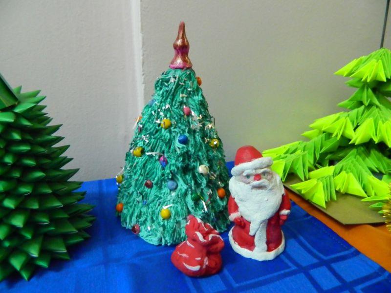 Árvore de Natal com as mãos para o ano novo e # 8212; Idéias de fotografias e mestres estágio de classes 140