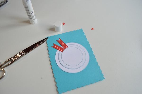 کارت پستال های سال نو آن را برای کودکان انجام می دهند: کلاسهای کارشناسی ارشد و قالب های کارت پستال برای سال نو 2021 مرحله 9