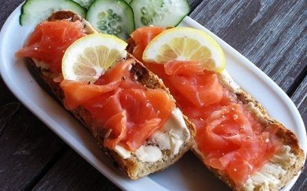 कम नमकीन सामन & # 8212; होम स्टेज 8 पर 7 रेसिपी सैल्मन सैल्मन