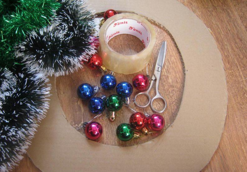 Жаңа жылдық гүл шоқтарын өзіңіз жасайды. Үйде гүл шоқтарын өндіруге арналған 12 шеберлік сабағы 3
