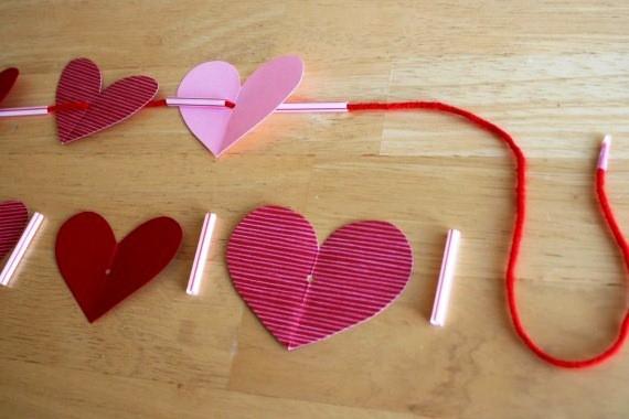 वेलेंटाइन दिवस के लिए DIY बच्चों के लिए अपने हाथों के साथ: 14 फरवरी चरण 93 को शिल्प के सबसे सुंदर विचार