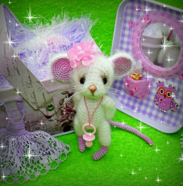 Πλέκω ποντίκια και αρουραίοι με διαγράμματα και περιγραφές. Amigurumi παιχνίδια μάστερ για αρχάριους στάδιο 22