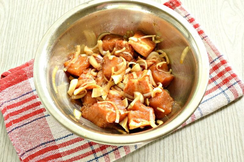 Carne de porco em uma frigideira: 9 Receitas simples e saborosa estágio 10