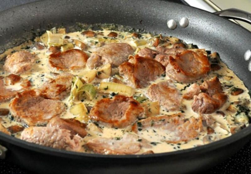 Carne de porco em uma frigideira: 9 Receitas simples e saborosa Estágio 23
