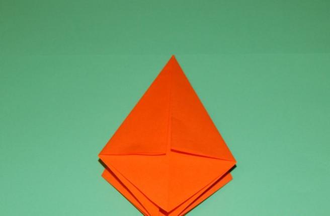 Paper Flowers & # 8212; Mga scheme at mga template para sa paglikha ng mga kulay ng papel na yugto 89.