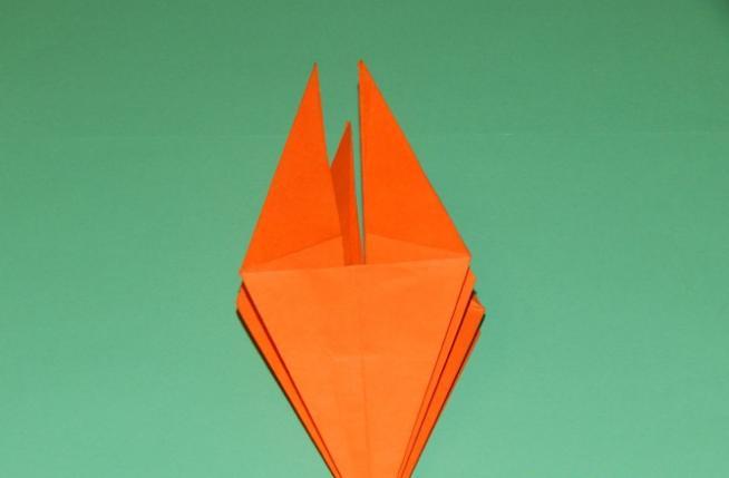 Paper Flowers & # 8212; Mga scheme at mga template para sa paglikha ng mga kulay ng papel na yugto 105.