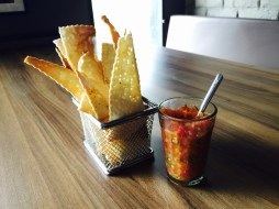 Tomato salsa and chips