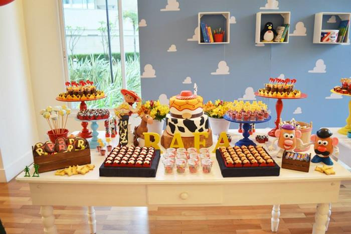 Karas Party Ideas Toy Story Party With Lots Of Really