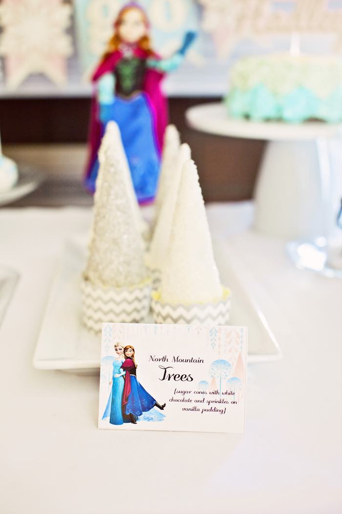 Frozen Birthday Party via Kara's Party Ideas KarasPartyIdeas.com Party supplies, cake, tutorials, printables, giveaways and more! #frozen #frozenparty #winterwonderlandparty #frozenpartyideas #karaspartyideas #partyplanning #partydesign (17)