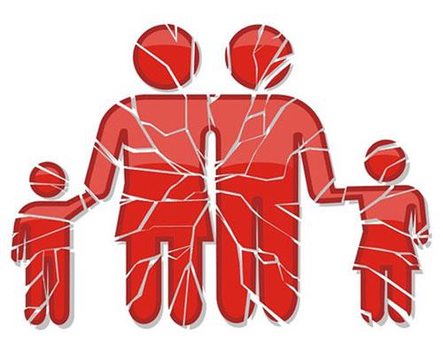 חיים משותפים עם עובדת זרה צריכים להתנהל תחת אישור בתי המשפט