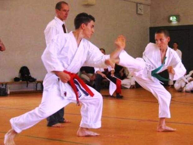 Clases gratuitas de karate para niños y jóvenes