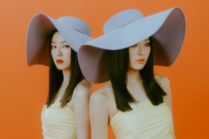 Read more about the article Red Velvet – IRENE & SEULGI