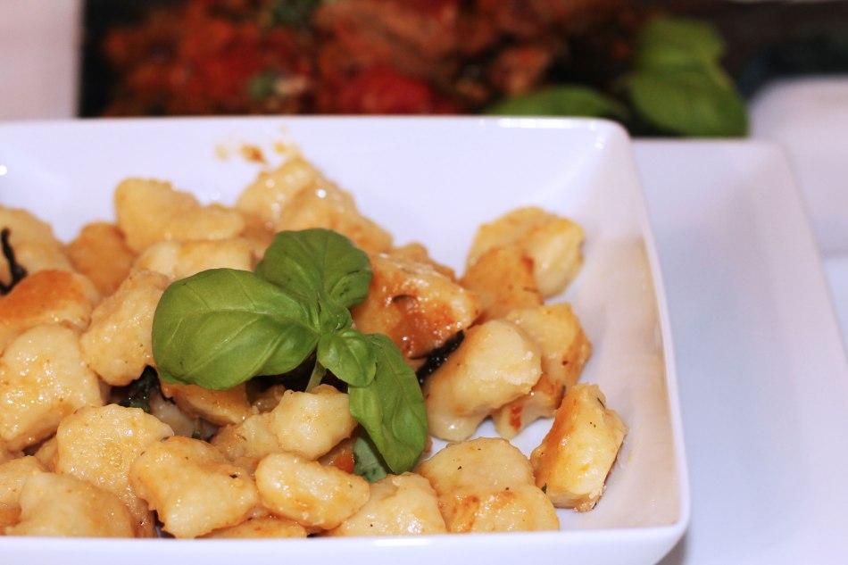 7-geschmackswelten-food-blogparade-italien-kulinarische-momente-italia-italy-rezept-gericht-kardiaserena-basilikum-gnocchi