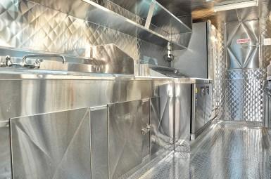 Sinks of the al pastor food trailer
