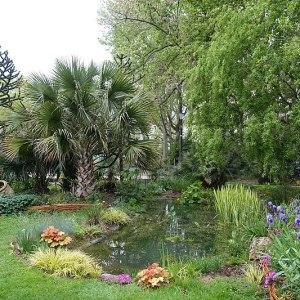 A Hidden Garden in Paris Waiting to Be Discovered, Karen Hugg, https://karenhugg.com/2019/03/04/hidden-garden-paris, Photo by Guilhem Vellut #SquareBoucicaut #Paris #France #parks #gardens #secretgarden