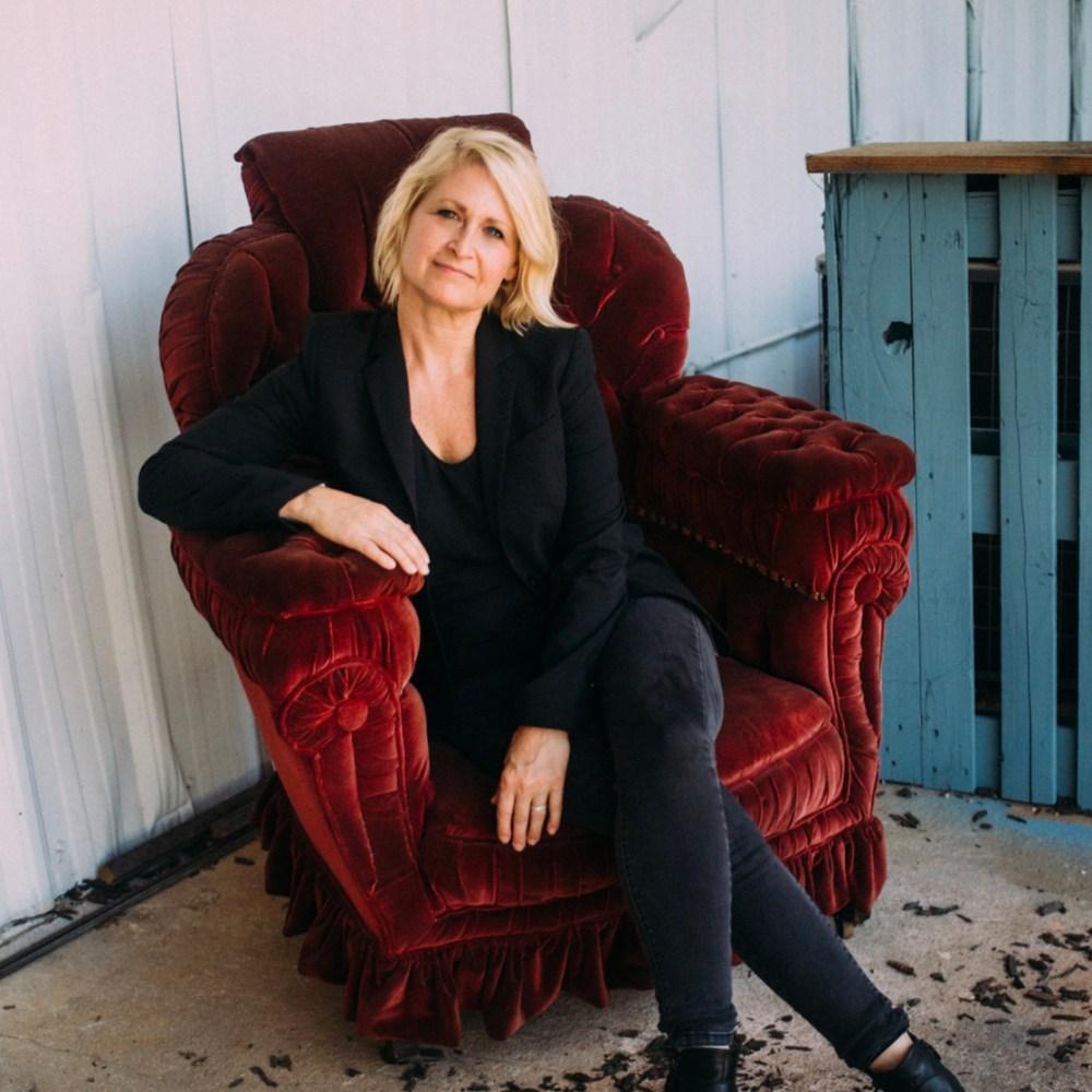Emily Carpenter, Emily Carpenter Writes the Strong Woman, Karen Hugg, https://karenhugg.com/2019/07/08/emily-carpenter #EmilyCarpenter #author #books #novels #literarythrillers #fiction