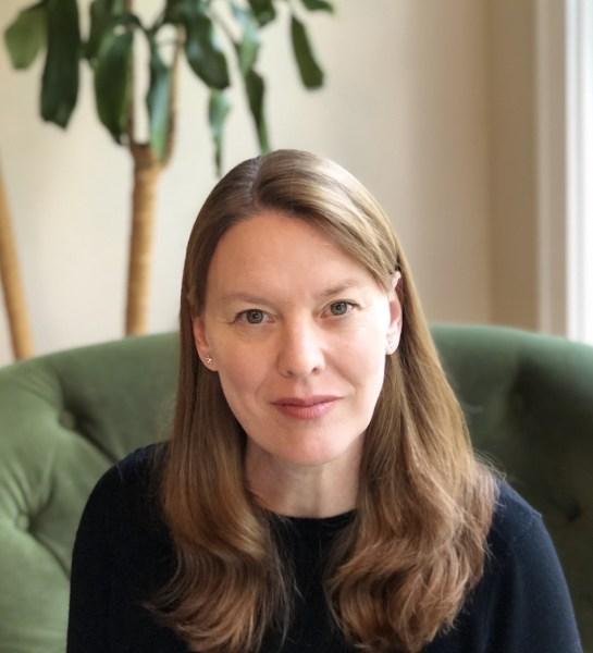 Karen Hugg, https://karenhugg.com/karen-hugg-bio/ #karenhugg #Seattle #author #literary #books #plants