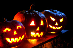stock-photo-17862684-jack-o-lantern-in-moonlight