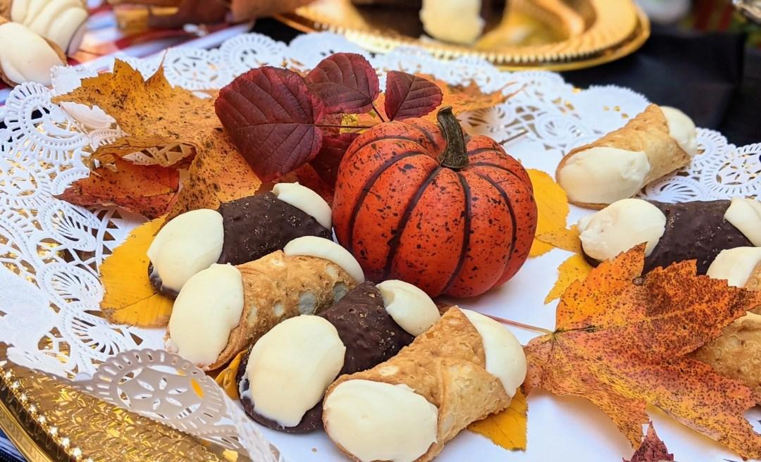 Fall cannoli