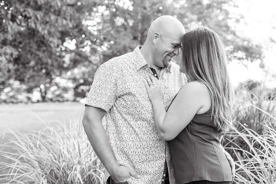 Summer casual engagement session at Lake of the Woods Illinois