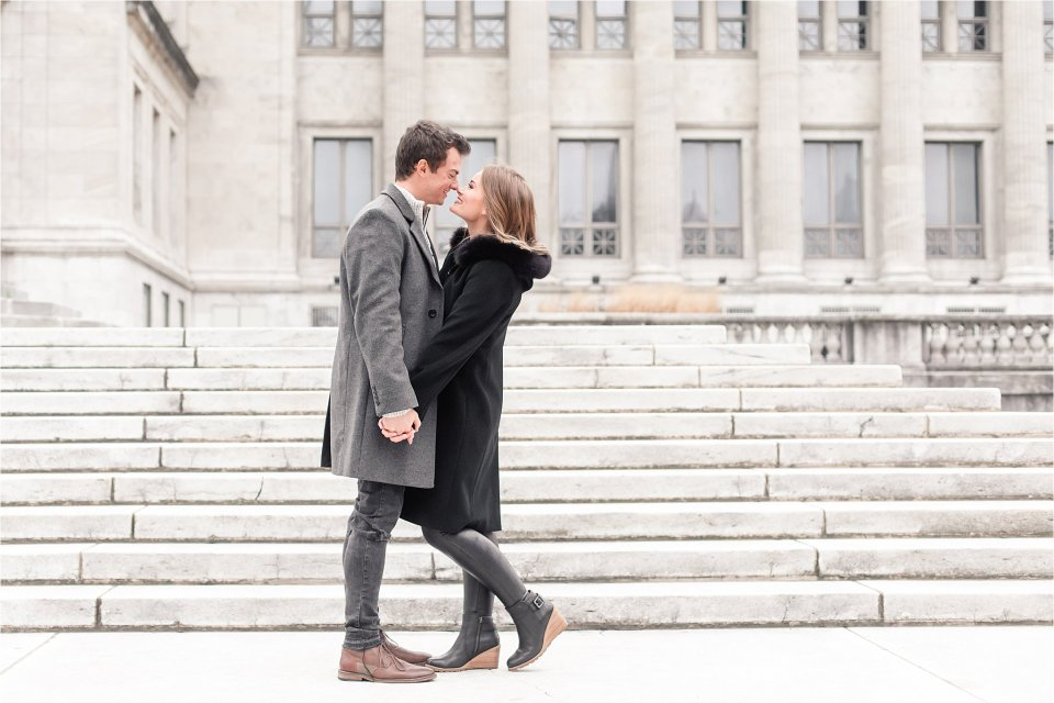 Chicago engagement session at Field Museum by Karen Shoufler